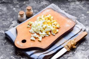 Салат с крабовыми палочками и мандаринами - фото шаг 4