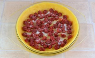 Пирог с творогом и вишней - фото шаг 9