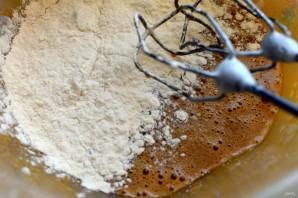 Медовый пирог с творожной начинкой - фото шаг 5