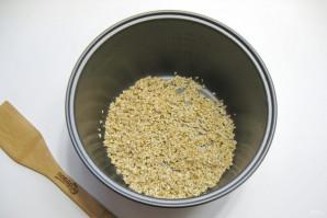 Ячневая каша на воде в мультиварке - фото шаг 2