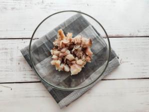 Салат с картофелем и копченой скумбрией - фото шаг 2