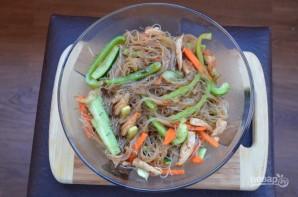 Рецепт салата из фунчозы с курицей - фото шаг 7