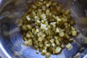 Салат с шампиньонами и солеными огурцами - фото шаг 1