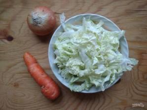 Тушеная пекинская капуста с морковью - фото шаг 2