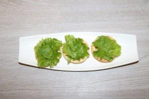 Салат с курицей в тарталетках - фото шаг 6