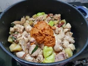 Тушеный картофель с курицей - фото шаг 5