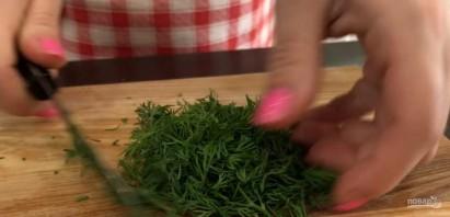Салат из малосольных огурцов (за уши не оттянешь!) - фото шаг 1