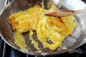 Болтунья с сыром - фото шаг 7