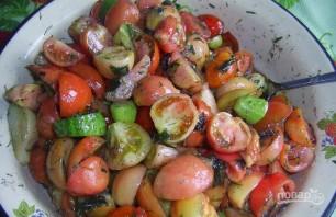 Салат на зиму из помидоров и огурцов - фото шаг 3