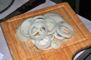 Салат с отварными кальмарами - фото шаг 1