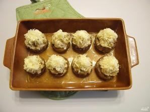 Фаршированные шампиньоны в духовке с сыром - фото шаг 9