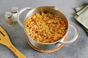 Рисовая каша с колбасой - фото шаг 7