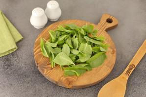 Стручковая фасоль со шпинатом