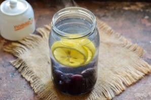 Компот из черешни с лимоном на зиму - фото шаг 4