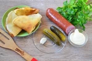 Салат с блинами и копченой колбасой - фото шаг 1