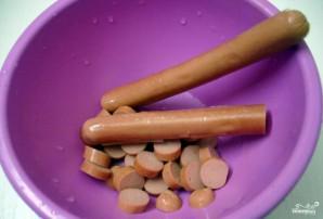 Тушеная кислая капуста с сосиской - фото шаг 2