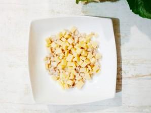 Салат с курицей, фасолью и сыром - фото шаг 1