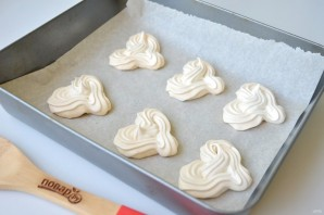 Меренги-сердечки с мороженым - фото шаг 6