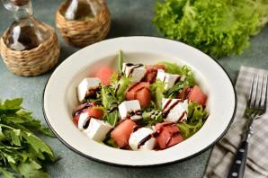 Салат из арбуза с фетой и рукколой - фото шаг 6