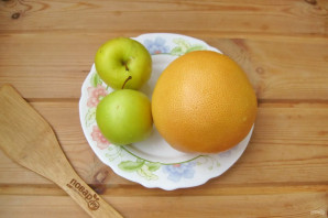 Компот из грейпфрута и яблок на зиму - фото шаг 2