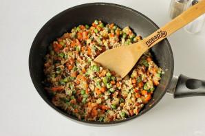Жареный рис с яйцом - фото шаг 6