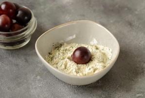 Сырные шарики с виноградом - фото шаг 4