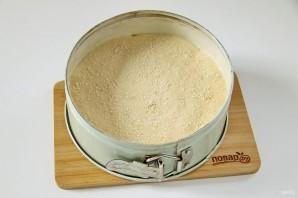Заливной пирог на кефире с яйцом - фото шаг 10