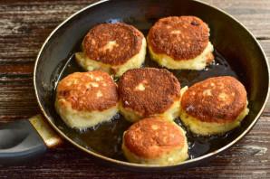 Сырники с цукатами - фото шаг 7