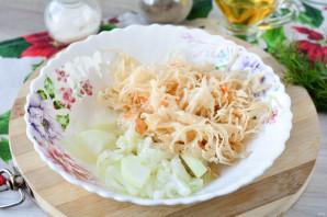 Салат из свеклы и квашеной капусты - фото шаг 6