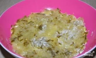 Салат с курицей и солеными огурцами - фото шаг 3