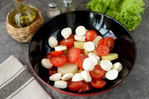 Салат с копченой салакой - фото шаг 5
