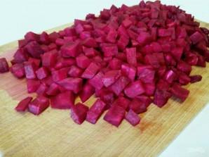 Салат из томленой свеклы с тыквенными семечками - фото шаг 2