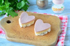 Бутерброды в виде сердца - фото шаг 7