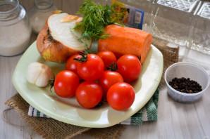 Сладкие помидоры с луком на зиму - фото шаг 1