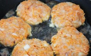 Рыбные котлеты с морковью - фото шаг 4