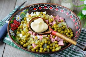 Салат «Оливье» с сосисками - фото шаг 7