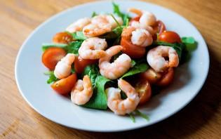 Салат с рукколой и креветками - фото шаг 4
