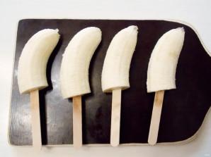 Бананы-привидения - фото шаг 2
