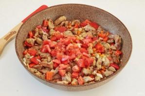 Индюшатина с овощами в томатном соусе - фото шаг 7