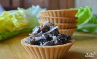 Закуска с грибами в тарталетках - фото шаг 6