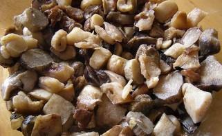 Тушеный картофель с замороженными грибами - фото шаг 4