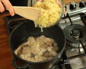 Суп с квашеной капустой - фото шаг 4
