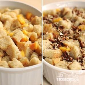 Хлебный пудинг с персиками и орехами - фото шаг 4