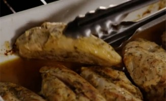 Курица с горчицей в духовке - фото шаг 9