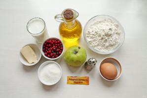 Блинчики с яблоком и брусникой - фото шаг 1