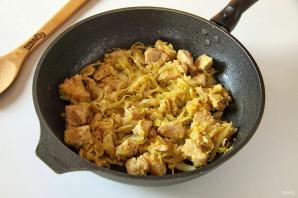 Макароны с капустой и курицей - фото шаг 6