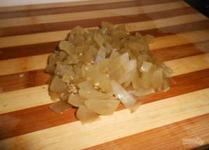 Салат с солеными помидорами - фото шаг 2