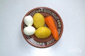Слоеный салат с селедкой - фото шаг 5