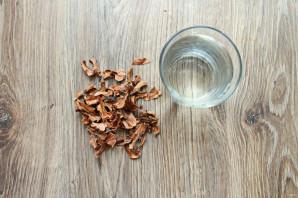 Настойка из перегородок грецкого ореха - фото шаг 1
