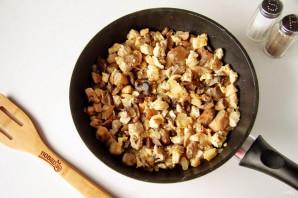 Заливной пирог с курицей и грибами - фото шаг 5